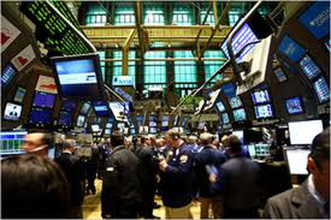 Cổ phiếu Mỹ đồng loạt giảm sau khi Fed công bố biên bản cuộc họp tháng Ba