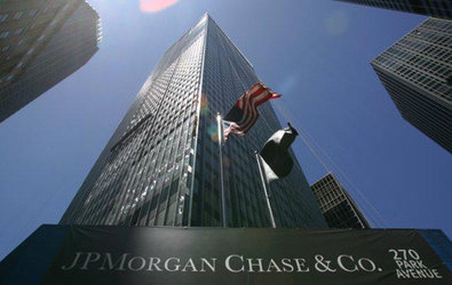 Mỹ trừng phạt đối tượng đầu tiên liên quan đến vụ Lehman Brothers sụp đổ