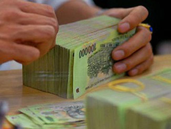 """Lãi suất Việt Nam """"khủng"""" nhất thế giới"""