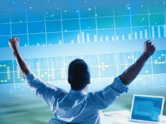HNX-Index tăng 2%, cổ phiếu chứng khoán dậy sóng