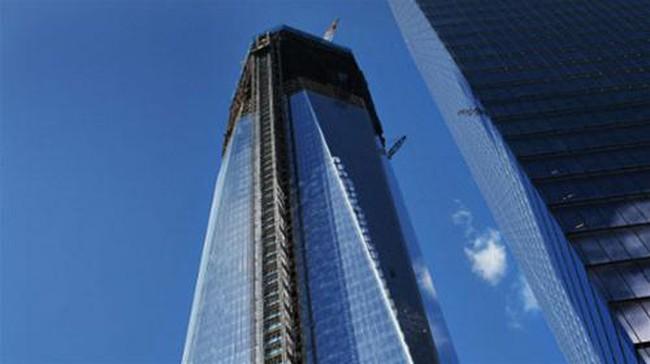 Tháp One World Trade Center đã xây đến tầng 100