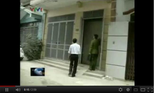 [Video] Hà Nội: Một căn nhà, 4 người tranh chấp bằng sổ đỏ giả?