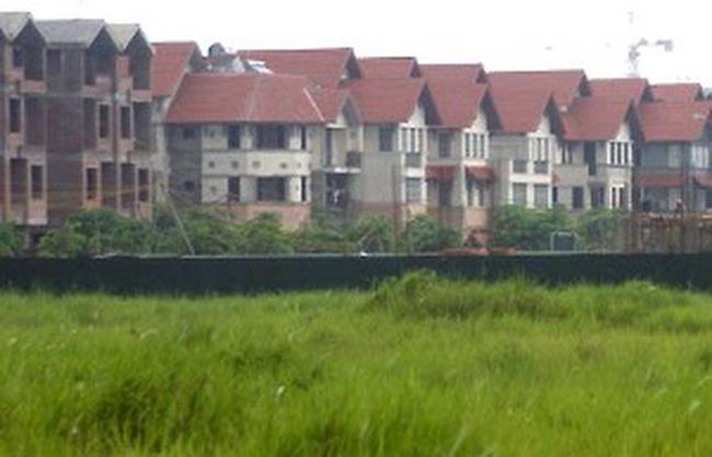 Bất động sản: Loay hoay giữa vũng lầy