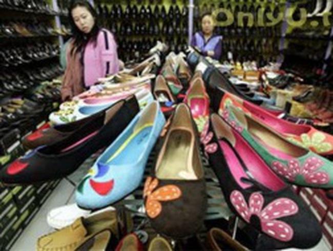 Trung Quốc bất ngờ công bố thặng dư thương mại