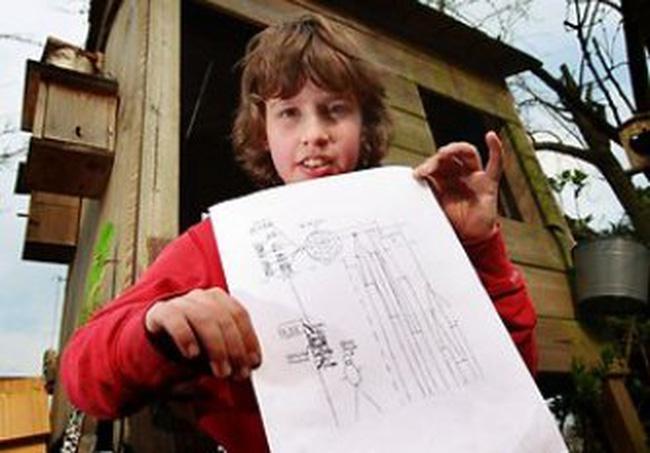 Cậu bé 11 tuổi được thưởng nhờ hiến kế cho khủng hoảng nợ châu Âu