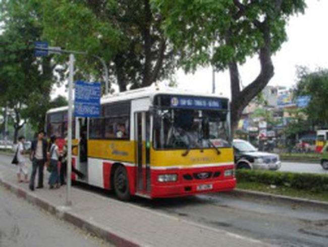 Chủ tịch UBND TP Hà Nội: Chấn chỉnh ngay các bất cập trên xe buýt