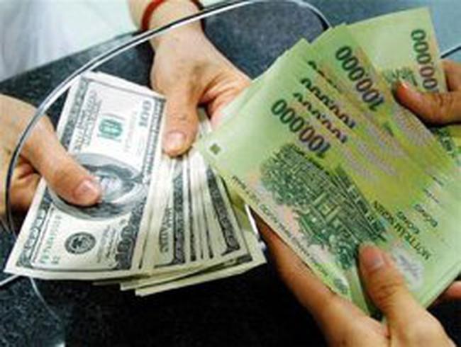 Giao dịch trên thị trường liên ngân hàng bằng VND sụt giảm