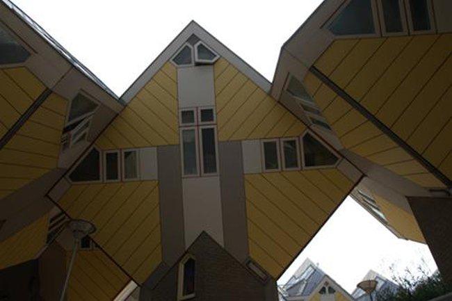Kiến trúc phá cách ở Rotterdam