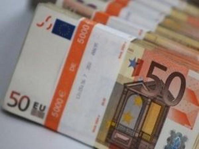 """Thắt chặt quá tay, Eurozone sẽ """"chết ngạt"""""""