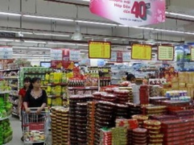 Các siêu thị tung khuyến mãi, hút sức mua