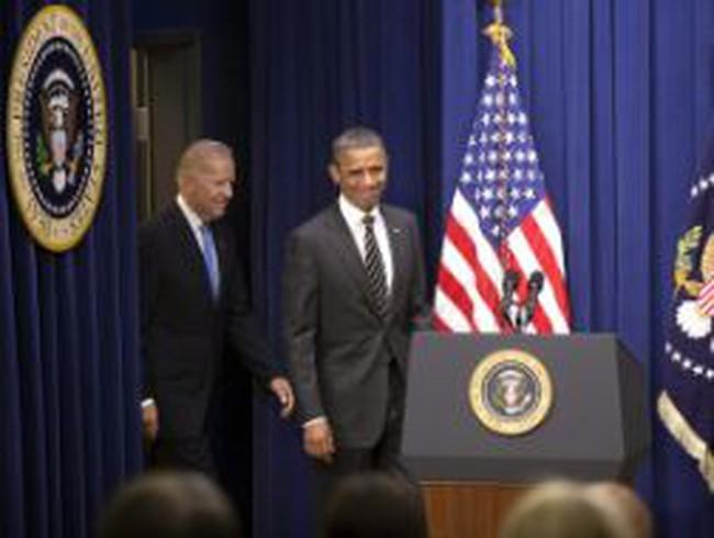 Thu nhập năm 2011 của vợ chồng tổng thống Obama giảm một nửa so với 2010