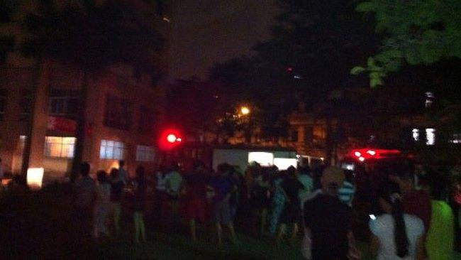 Cháy chung cư 14C, khu đô thị Định Công, nhiều người hoảng loạn
