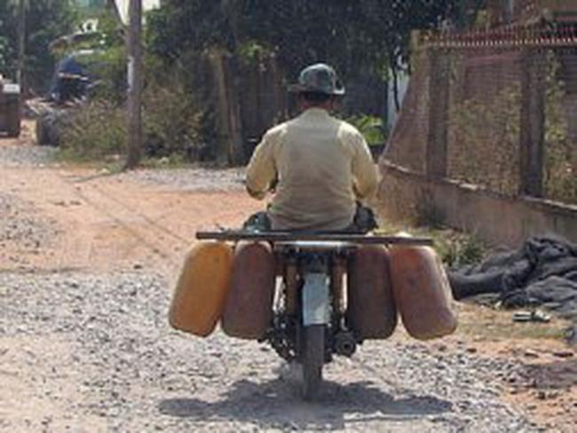 Tái diễn buôn lậu xăng dầu qua Campuchia