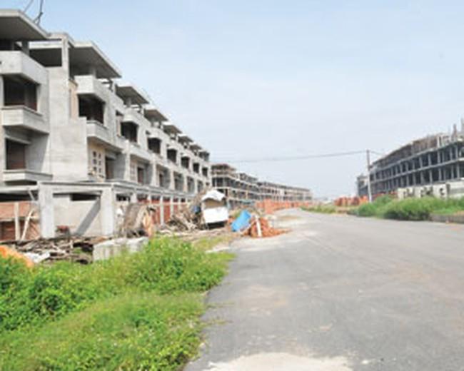 """Thị trường biệt thự, nhà liền kề ở Hà Nội: """"Của để dành"""" nhiều năm"""