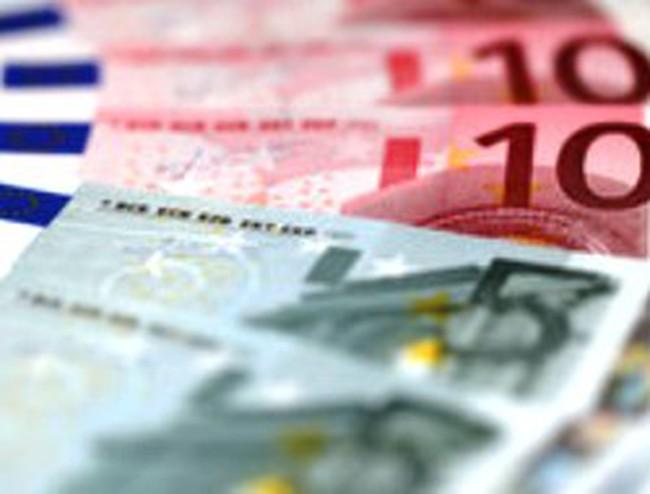 Euro giảm mạnh trước thềm phiên đấu giá trái phiếu Tây Ban Nha