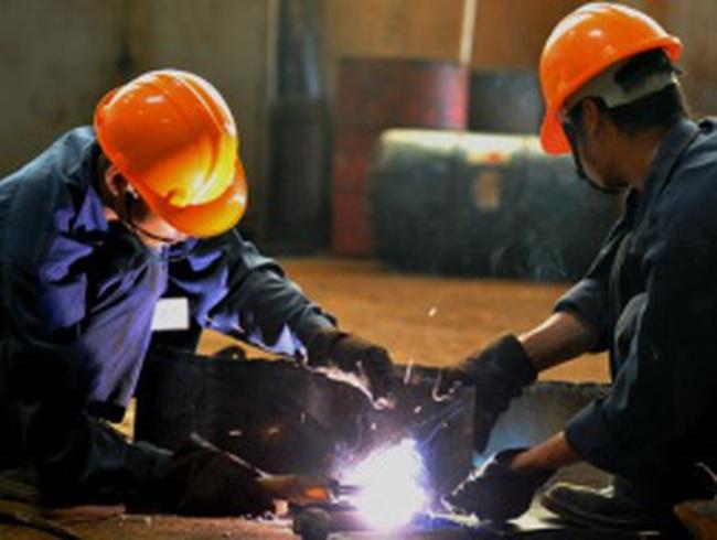 Tái cơ cấu nền kinh tế với 7 nhóm ngành ưu tiên