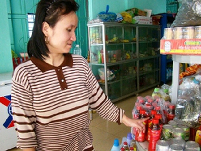 Lại phát hiện nhiều chai nước giải khát Dr.Thanh bị kết tủa
