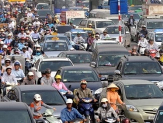 Người dân chưa phải nộp phí bảo trì đường bộ