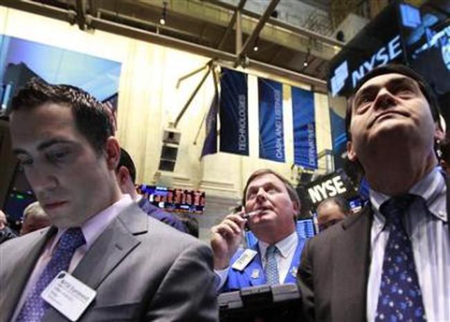 Phố Wall giảm ngày thứ 2 liên tiếp do lo ngại thị trường việc làm