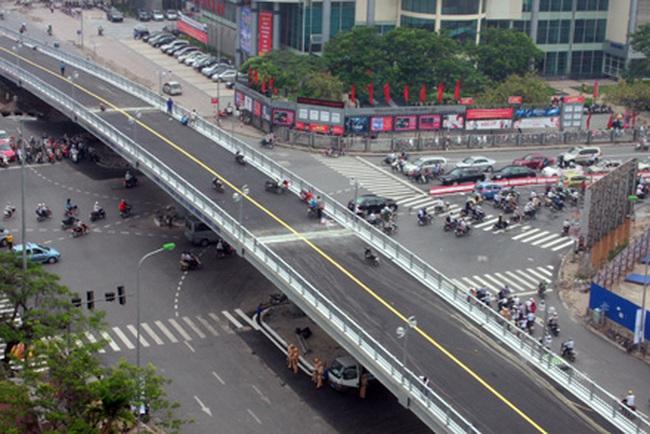 Cầu lắp ghép đầu tiên ở Hà Nội trước ngày thông xe