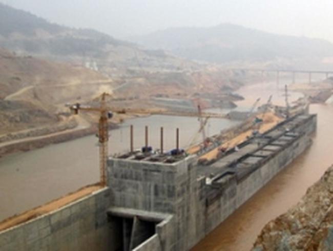 Ngăn sông Đà đợt 1 xây dựng Thủy điện Lai Châu