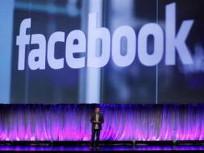 Facebook bất ngờ công bố doanh thu và lợi nhuận giảm trước thềm IPO