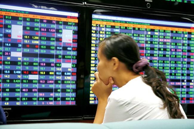 Hơn 470 cổ phiếu tăng giá, VN-Index vượt 470 điểm