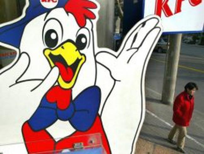 KFC phải bồi thường vì gà rán gây tổn thương não
