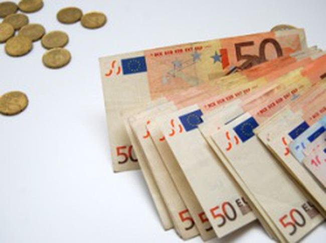 Châu Âu ngồi trên…đống lửa ngân hàng