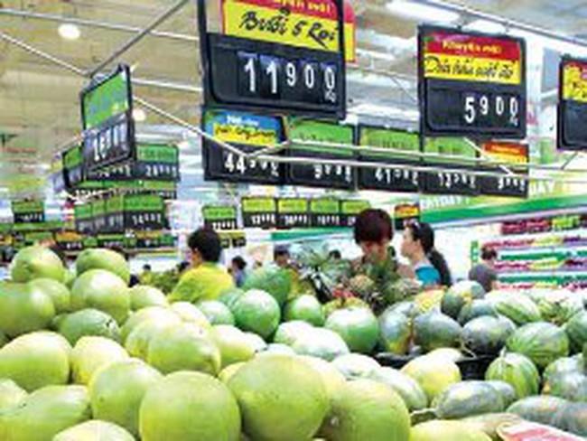 Thời tiết nắng nóng khiến hoa quả trở nên đắt hàng