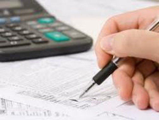 Miễn thuế doanh nghiệp, giải pháp được mong chờ năm 2012?