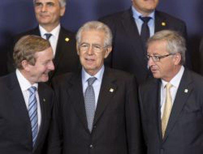 EU nhất trí nới lỏng điều kiện cứu trợ cho các ngân hàng Tây Ban Nha