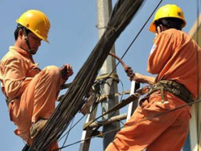 Ngành điện 'khôn' khi mượn cớ giảm phát để tăng giá