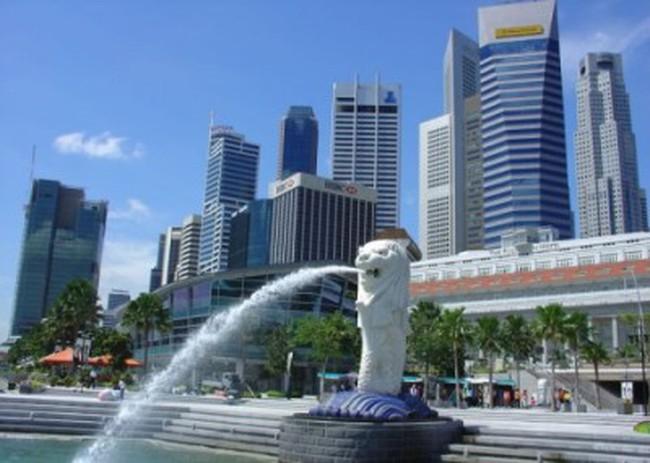 [Video] Nhân viên ngân hàng châu Âu đổ xô đến Singapore tìm việc