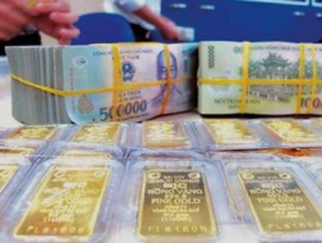 """Vàng trong nước vẫn """"vênh"""" thế giới tới 2 triệu đồng/lượng"""