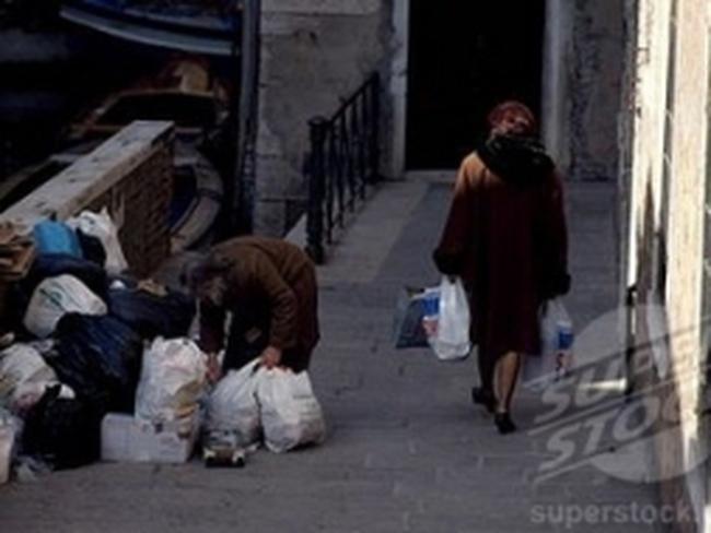 """Ít nhất 8 triệu người Italy rơi vào cảnh """"bần cùng"""""""