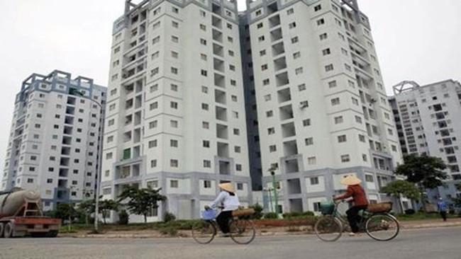 Trung tâm tài chính 'ma' la liệt giữa Hà Nội