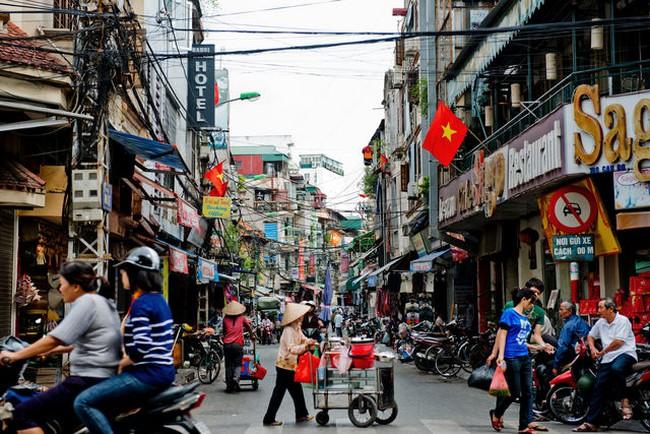 Bẫy thu nhập trung bình của Việt Nam: Đừng chỉ tranh cãi, hãy hành động