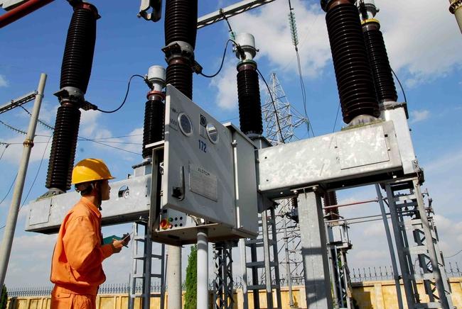 Năm 2014: Doanh thu bán điện của EVN ước đạt gần 200 tỷ đồng