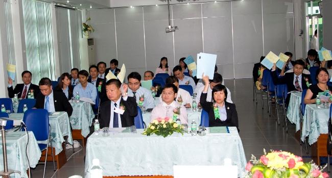 """Đường Ninh Hòa thống nhất hoán đối """"ngang"""" 1:1 cổ phiếu Đường Biên Hoà"""