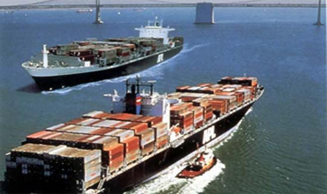"""""""Soi"""" top 10 nhóm hàng xuất khẩu giá trị lớn nhất 8 tháng đầu 2014"""