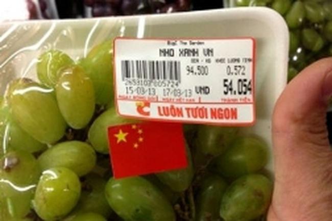 """""""Nho xanh Ninh Thuận"""" được big C mua ở kiot chợ Long Biên"""
