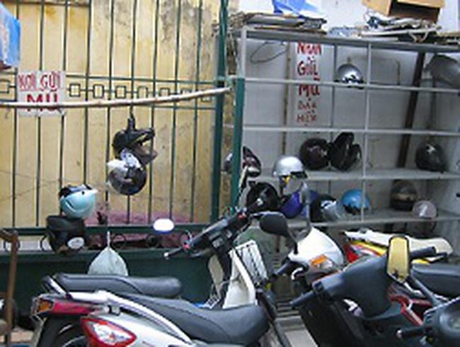Những rào cản khiến mũ bảo hiểm khó ra thị trường