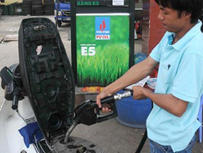 Năng lượng sạch gặp khó vì giá