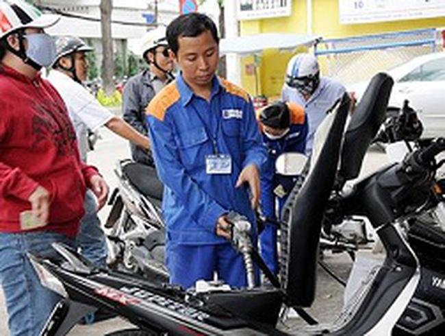 Xăng dầu tăng chiết khấu cho đại lý