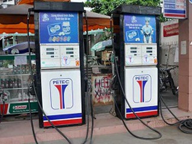 Cây xăng bị phạt 10-20 triệu vì bán xăng lẫn tạp chất