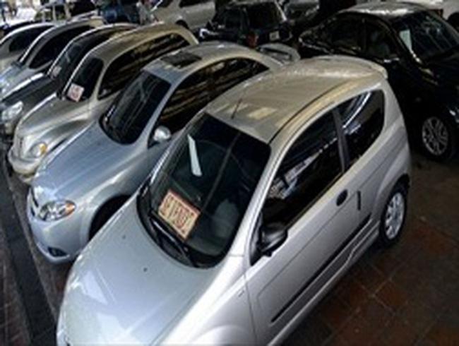 Venezuela: Giá ô tô cũ đắt gần gấp đôi xe mới