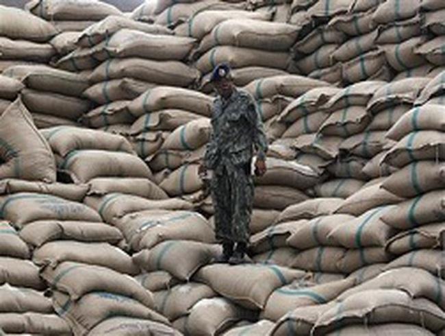 Thái Lan: 15 triệu tấn gạo tồn kho bán lẻ bao giờ cho hết?