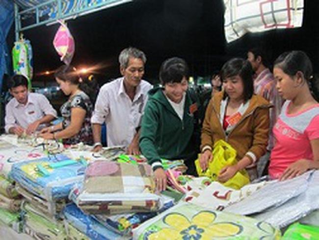 Hàng Việt ở cửa khẩu: doanh nghiệp thuận chợ