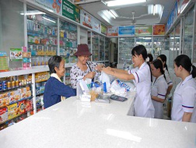 """Bộ Y tế """"soi"""" giá thuốc bán lẻ"""